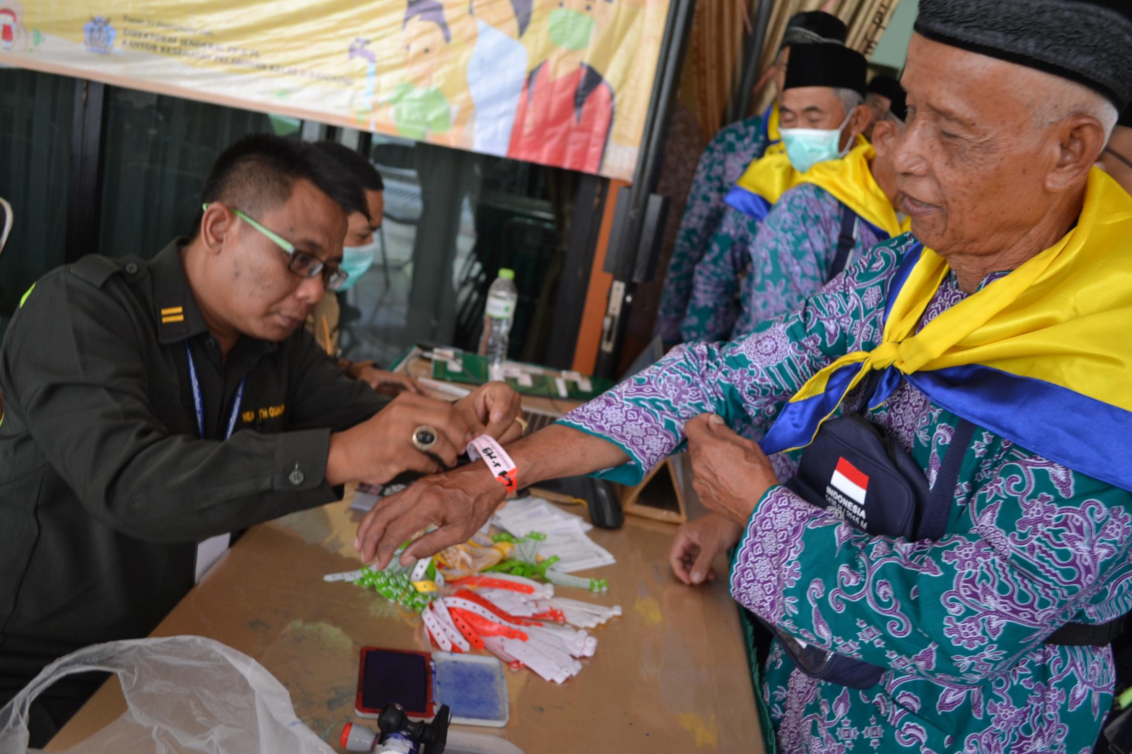 Pengumpulan Kegiatan dan Foto Pra Embar dan Embarkasi Haji Tahun 2015